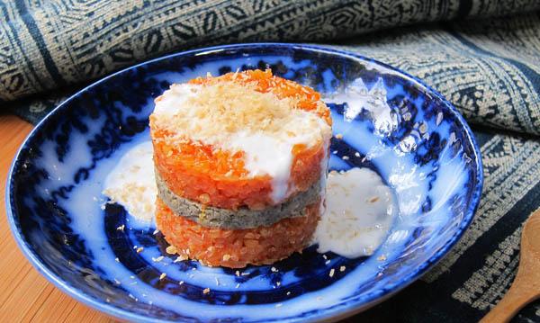 Gac fruit sticky rice cakes