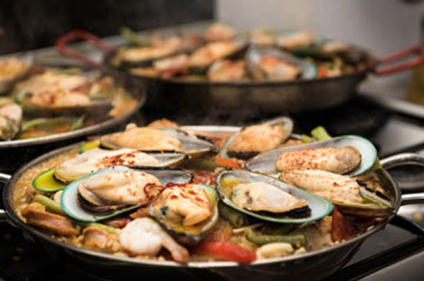 Paella Mixta photo: Kevin West